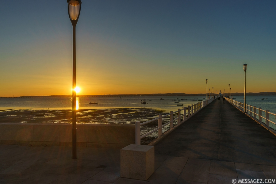 portugal-alcochete-pier-photography-6-by-messagez-com_